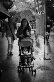 dziecko w spacerówce